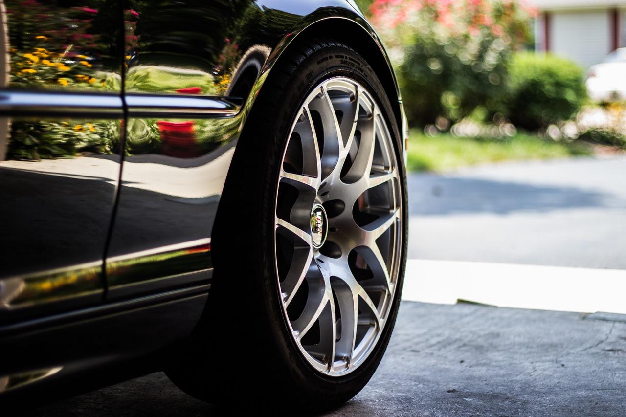 Comment changer une roue de voiture ?